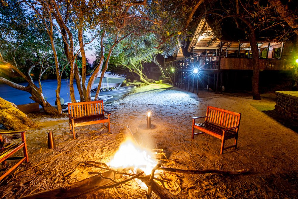 Ichobezi Safari Lodge Fireside