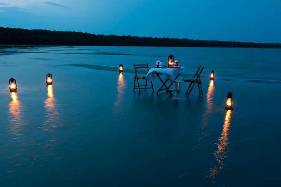 Beachside Dining Makakatana Bay Lodge