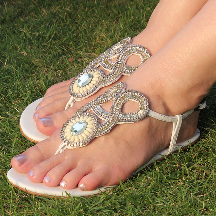 Slinks – Devilishly Clever Sandals