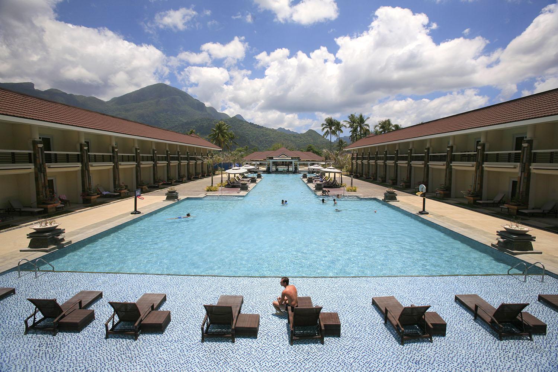 Sheridan Beach Resort & Spa At Sabang Beach Review