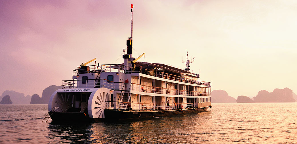 Emeraude Cruises in Halong Bay