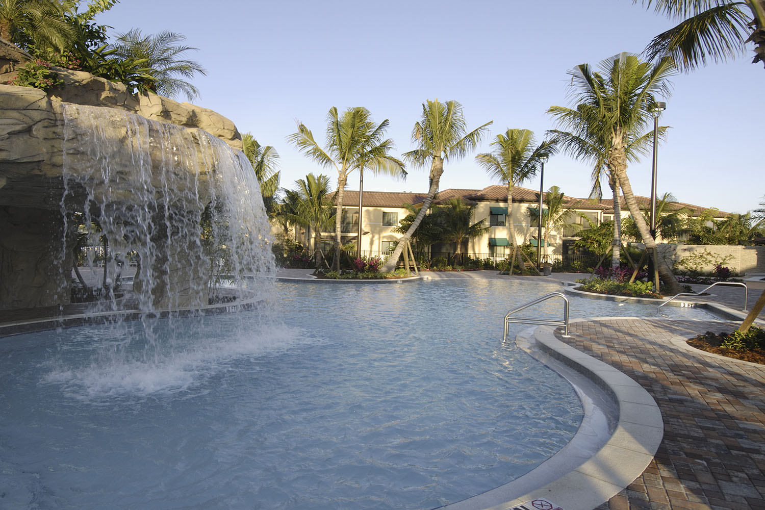 Naples Bay Resort Review