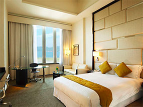 1 day room at any between9and5 hotel