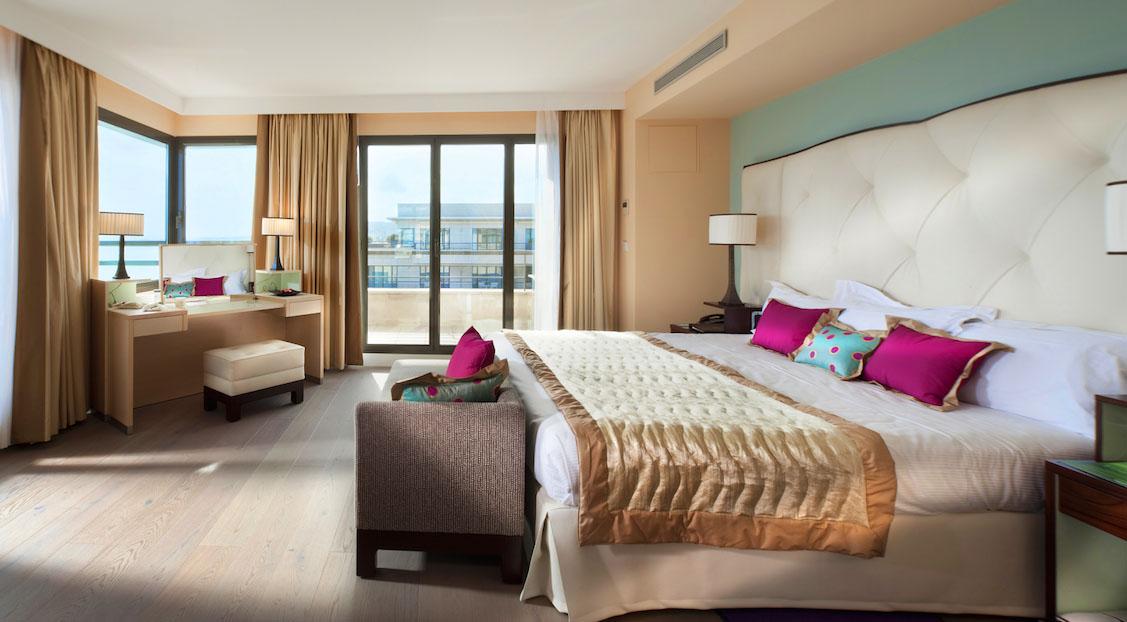 Hyatt regency palais de la mediterran e review nice for Best hotels in nice