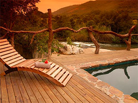 2 nights at Summerfields Rose Retreat, South Africa
