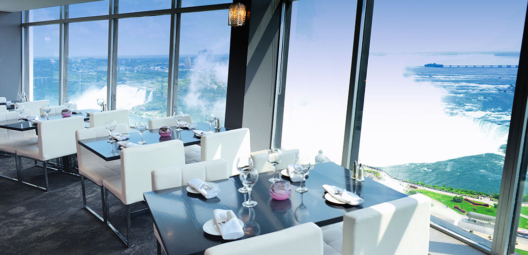 Marilyn's Restaurant With Views Over Niagara Falls
