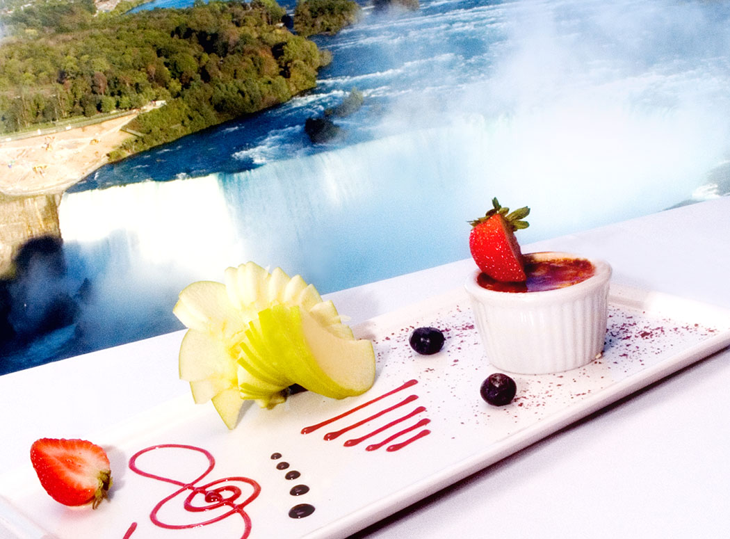 Marilyn's Restaurant With Views Over Niagara Falls