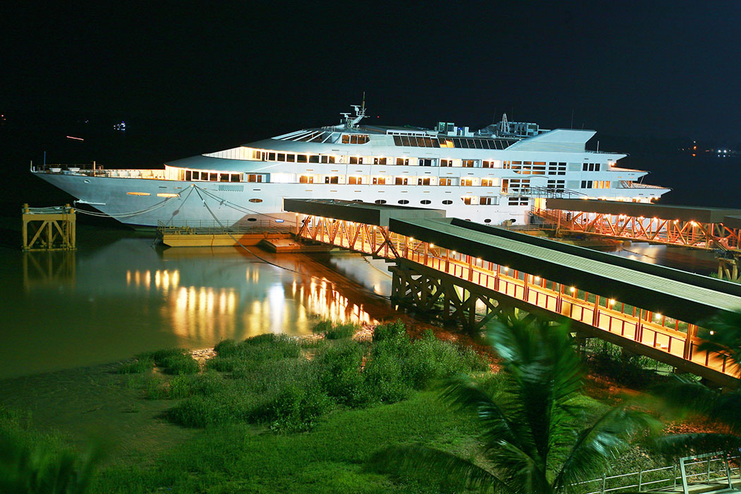 The Vintage Luxury Yacht Hotel, Myanmar