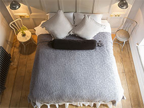 1 night at Hannah's Boutique Bed & Breakfast in Winchester