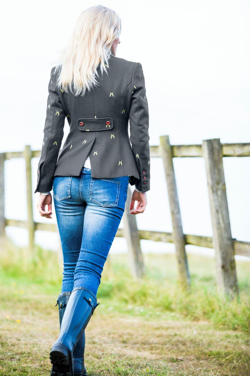 Sporting Hares – Fashionable British Countryside Bumpkins