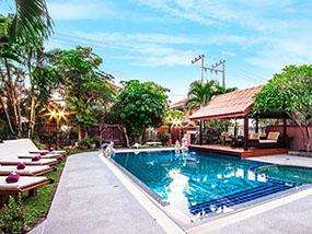 6 nights for 12 ppl in a luxury villa in Pattaya, Thailand