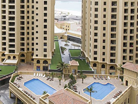 2 nights for 10 guests in a luxury apartment in Dubai