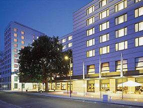2 nights inc. a dinner&drinks at the Maritim Hotel Berlin