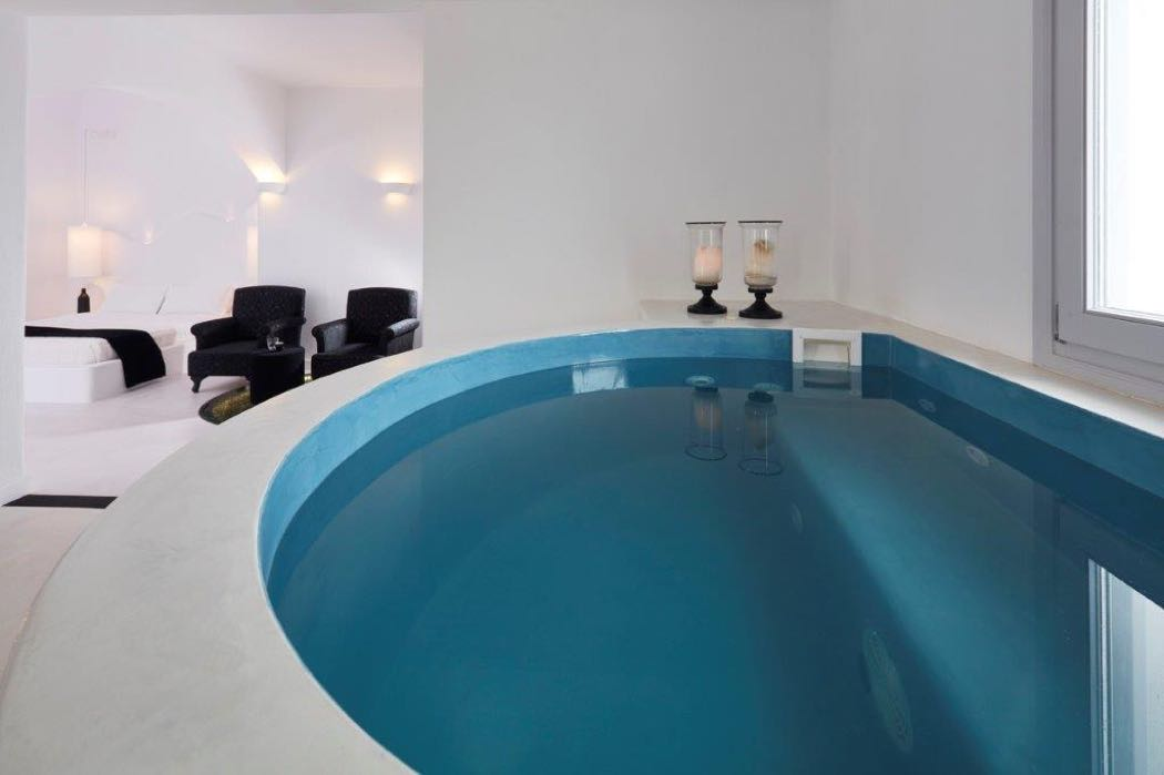 Review Of The Beachside Orabel Suites In Santorini