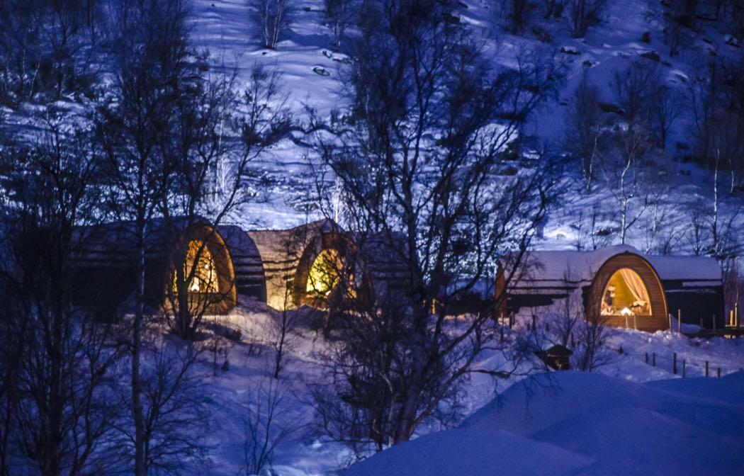 Huskies, Reindeer & Ice Caves At Kirkenes Snowhotel Norway