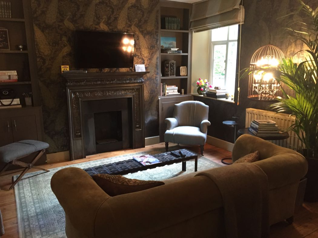 British Luxury at Water Meadow Cottage in the Cotswolds
