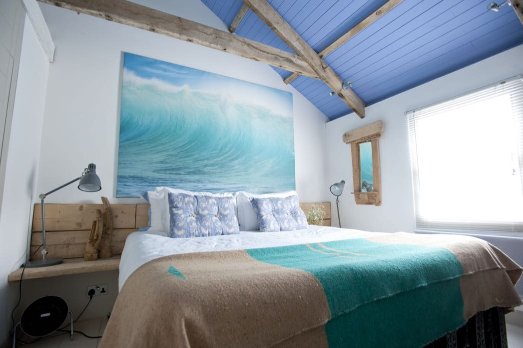 Beachspoke luxury boutique cottages in cornwall rentals for Luxury boutique accommodation