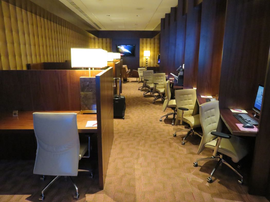 Emirates First Class Lounge Review At Dubai Airport