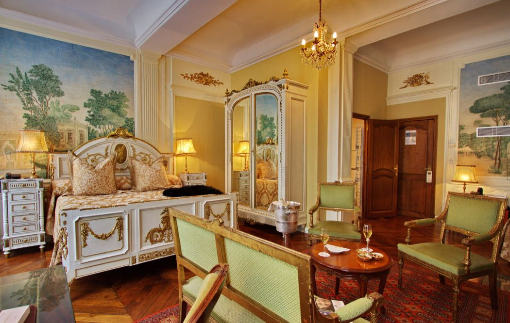 Enjoy Fine Wines At Hotel Le Cep In Burgundy