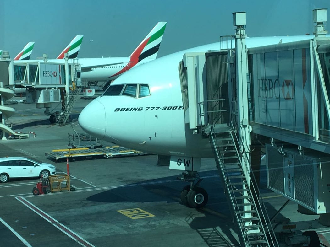 Review emirates b777 300 business class dubai to cape for Luxury travel in dubai