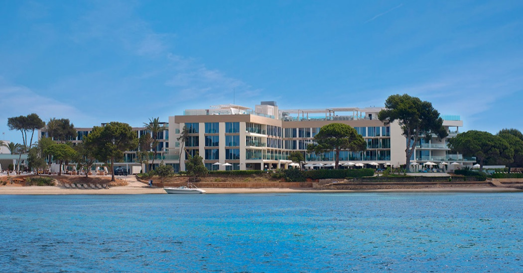 ME Ibiza – A Chic Luxury Hotel Next To Nikki Beach Club