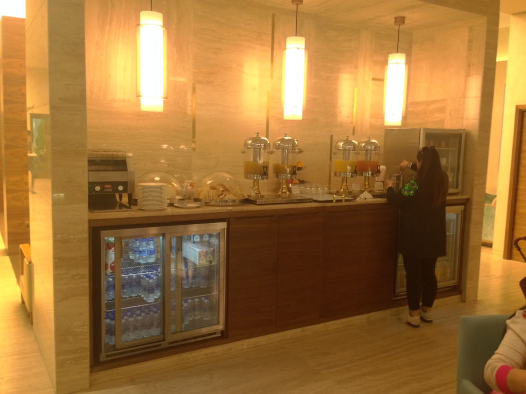 Review: Kuwait International Airport Dasman Business Class Lounge