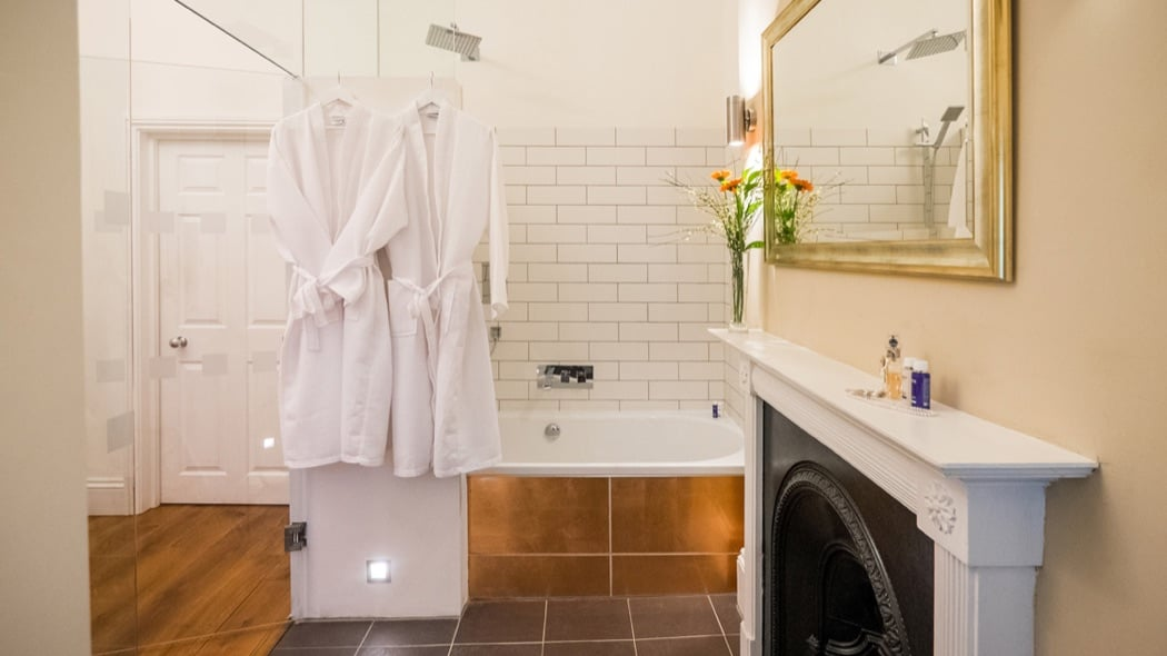 Berkeley Suites: The Crescent Luxury Serviced Apartments In Bristol