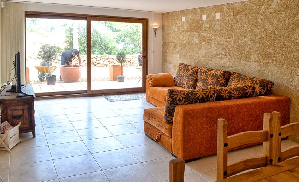 Review: Casa Ricardo Near Sandy Beaches, Hidden Coves & Alicante
