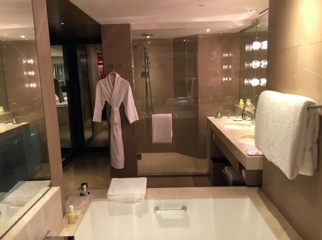 Review: Grand Hyatt Hong Kong & New Club Lounge