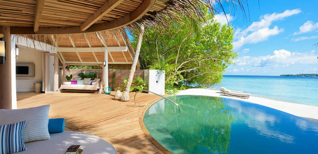 Amazing Hotel Rooms Less Than 5 Steps From The Ocean