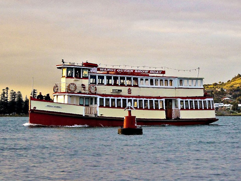 Convicts, Castles & Champagne Cruise for 2 in Sydney Harbour
