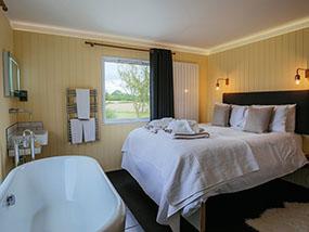 2 Night Mid-Week Luxury Home Break for 8ppl in Yorkshire, UK