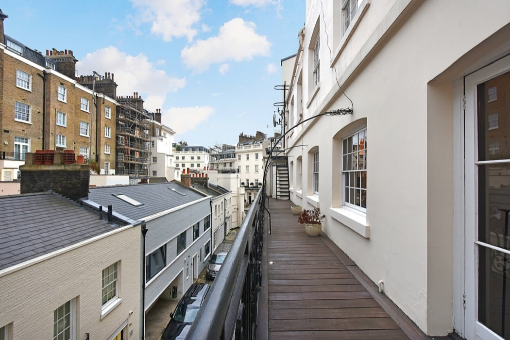 Review: The Lyall Elegance Luxury Apartment In London