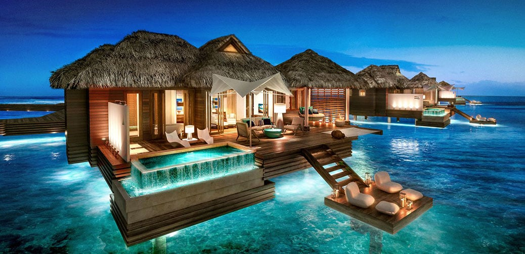 10 amazing hotels with private pools or swim up rooms for Amazing luxury hotels