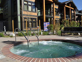 5 Nights for 5 in a Luxury Condo in Mammoth Lakes California