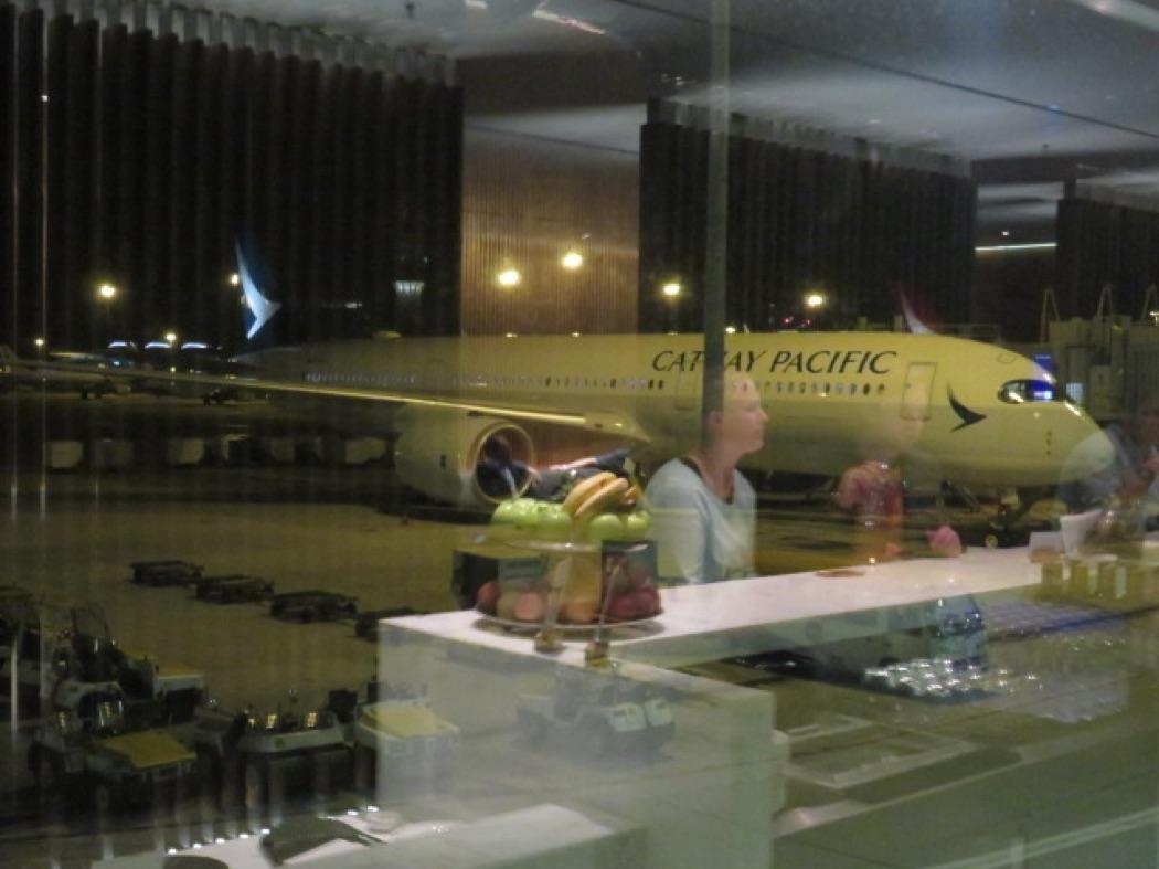 Review: Cathay Pacific The Bridge Lounge At Hong Kong Airport