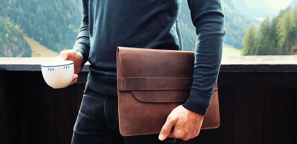 Buckle And Seam Bag: Perfect For Business Travel