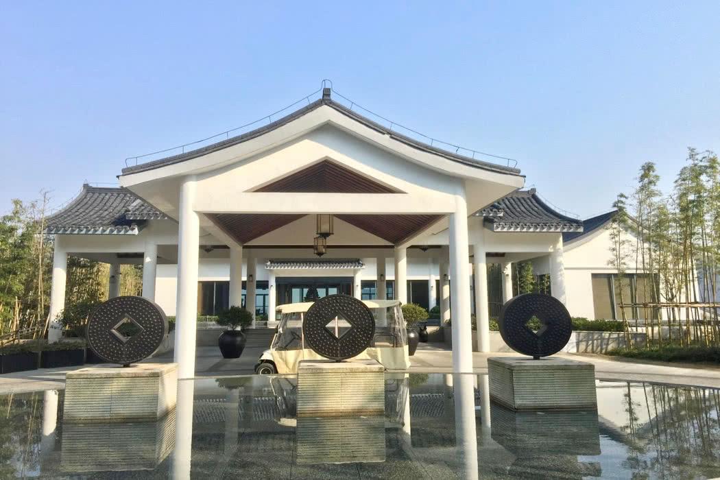 Hotel Review: Alila Anji In A Stunning Lake View Villa