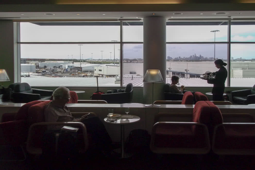 Sydney Airport Lounge Review: Qantas International Business Lounge