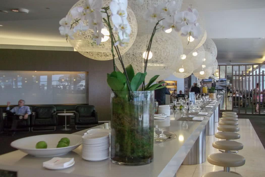 Sydney Airport Lounge Review: Qantas International Business Lounge