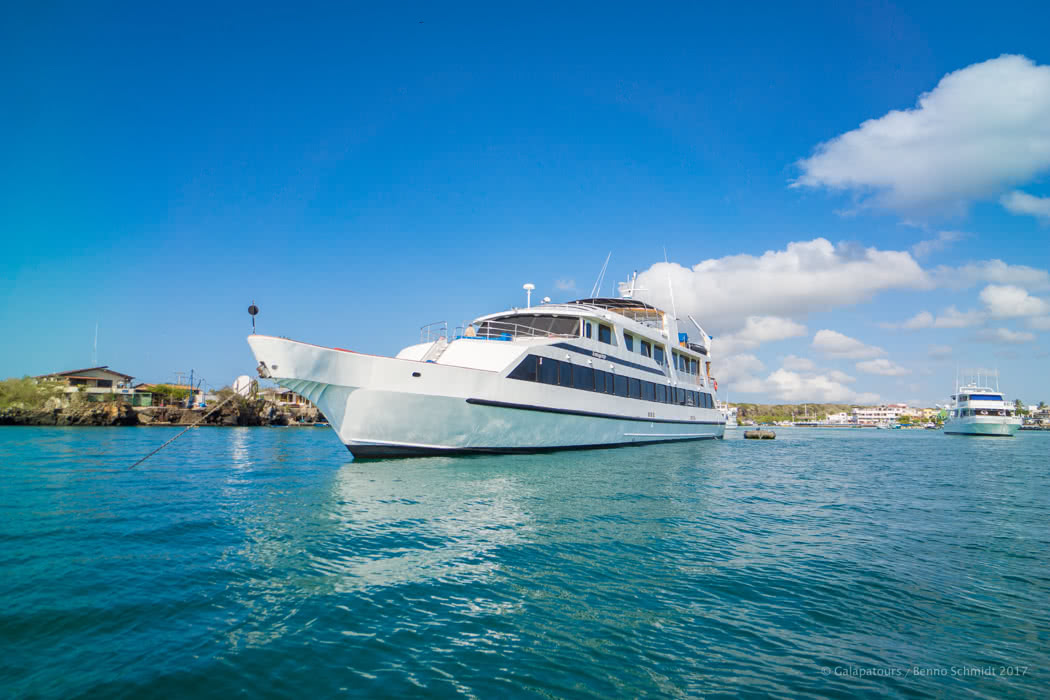 Best 10 Luxury Galapagos Cruises