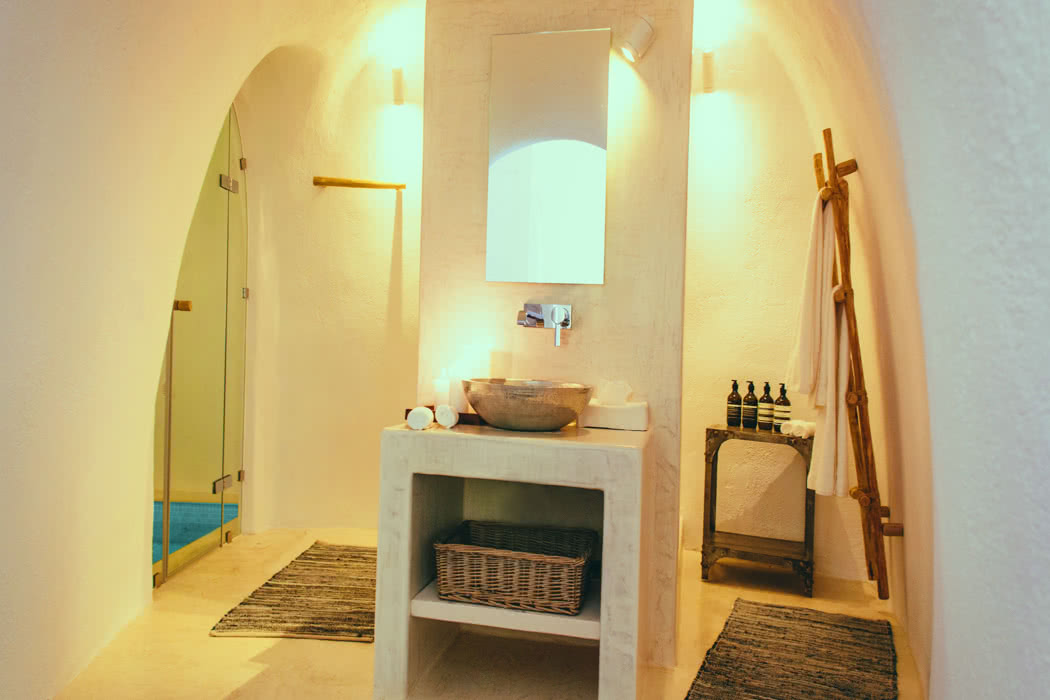 The best boutique hotels in santorini news luxury for Great boutique hotels