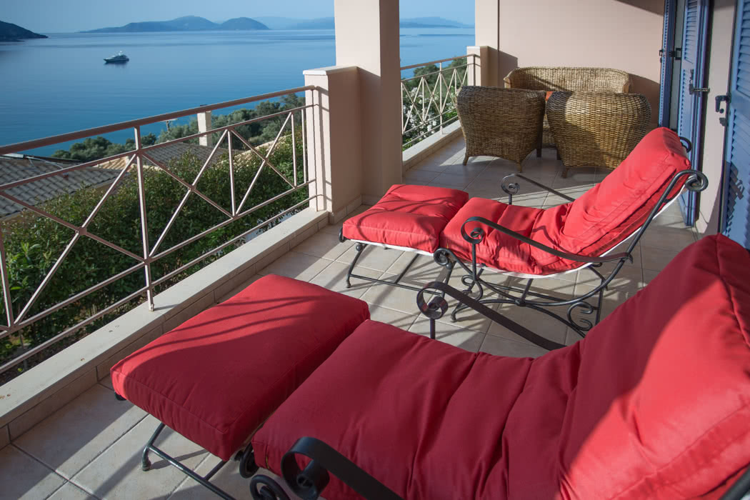 Review: Calm Wave Villas, in Vasiliki, Lefkada Greece