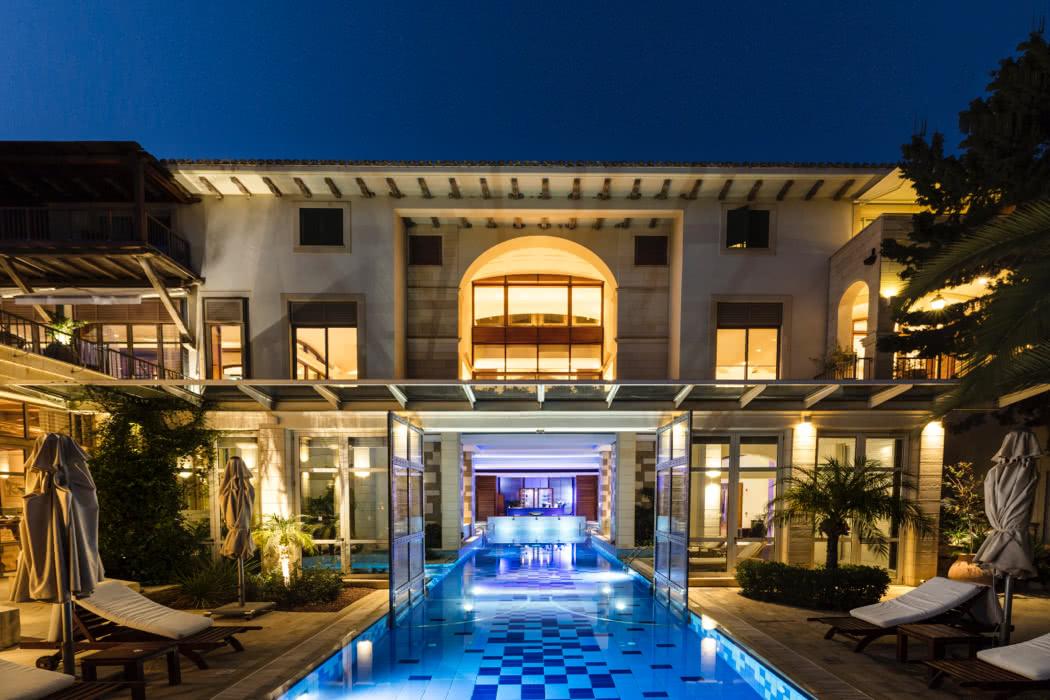 Hotel Review: Columbia Beach Resort, Pissouri Bay