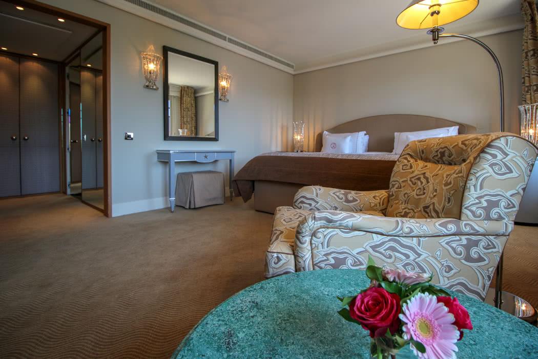Hotel Review: Le Richemond Geneva