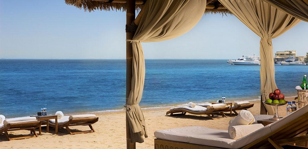 Free Luxury Ritz Carlton Hotel Stay With Economy Flights