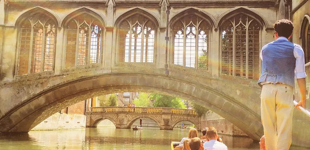 The Most Romantic Punting Experience In Cambridge