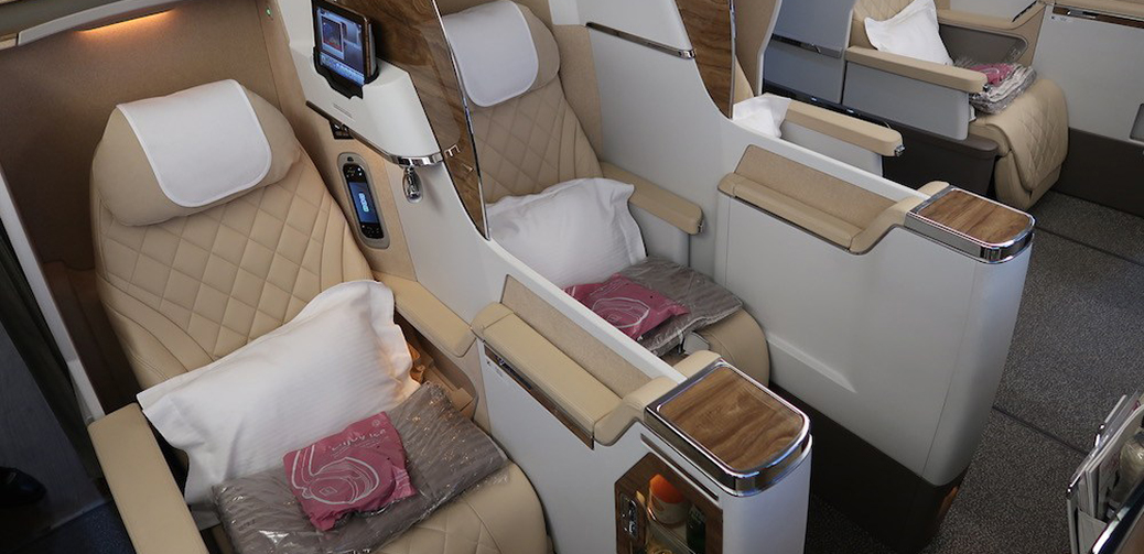 Sensational Emirates Business Class A380 Vs B777 Why You Should Never Ocoug Best Dining Table And Chair Ideas Images Ocougorg