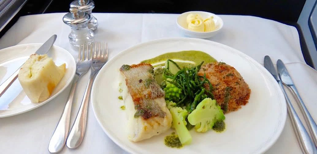 Worst Airline Meals Ever? British Airways Bullet Stew Vs American Airlines Lobster Flake Roll