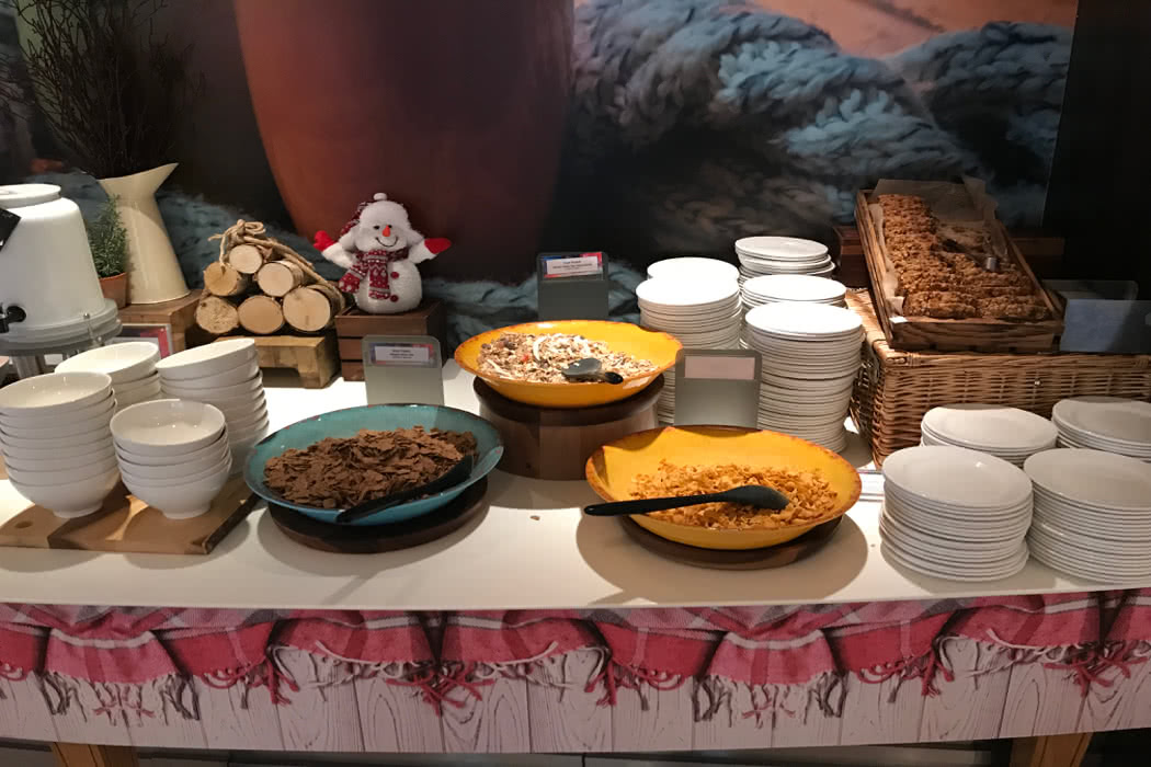 My Disgusting, Lovely Breakfast Buffet At British Airways Airport Lounge Heathrow